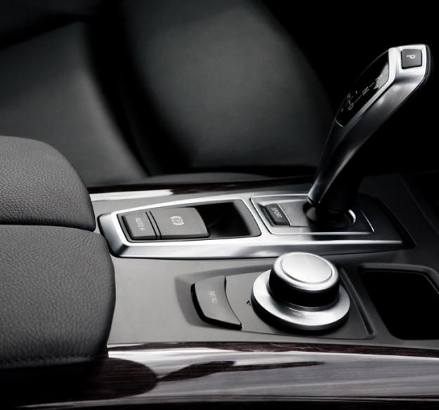 Autóklíma szerelő: autóklíma tisztítás, feltöltés